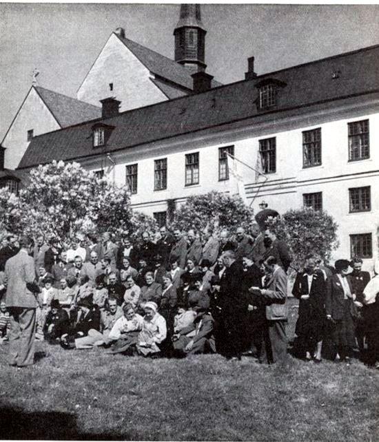 Frän STF:s konferens med randrarhems-värdarna i Vadstena 22—24 maj 1943.